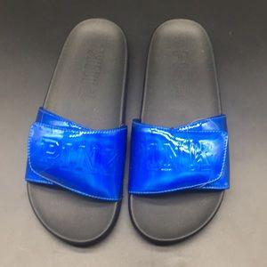 S Victoria's Secret PINK Crossover Blue Slides